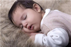 小孩子睡觉爱出汗