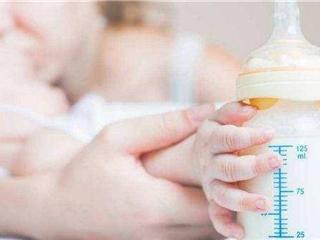 卖不动与卖断货并存 婴幼儿奶粉行业或将加速洗牌