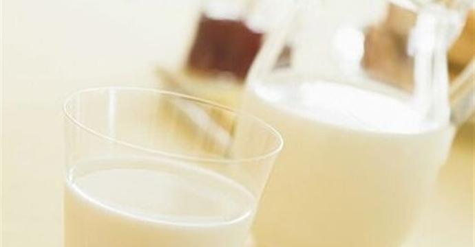 中国婴幼儿奶粉市场规模近2000亿 国产婴儿辅食产品亟待提升